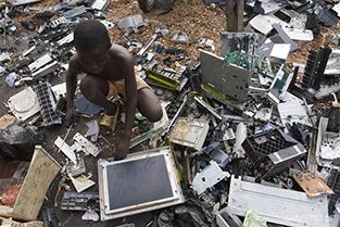 rifiuti-elettronici-africa